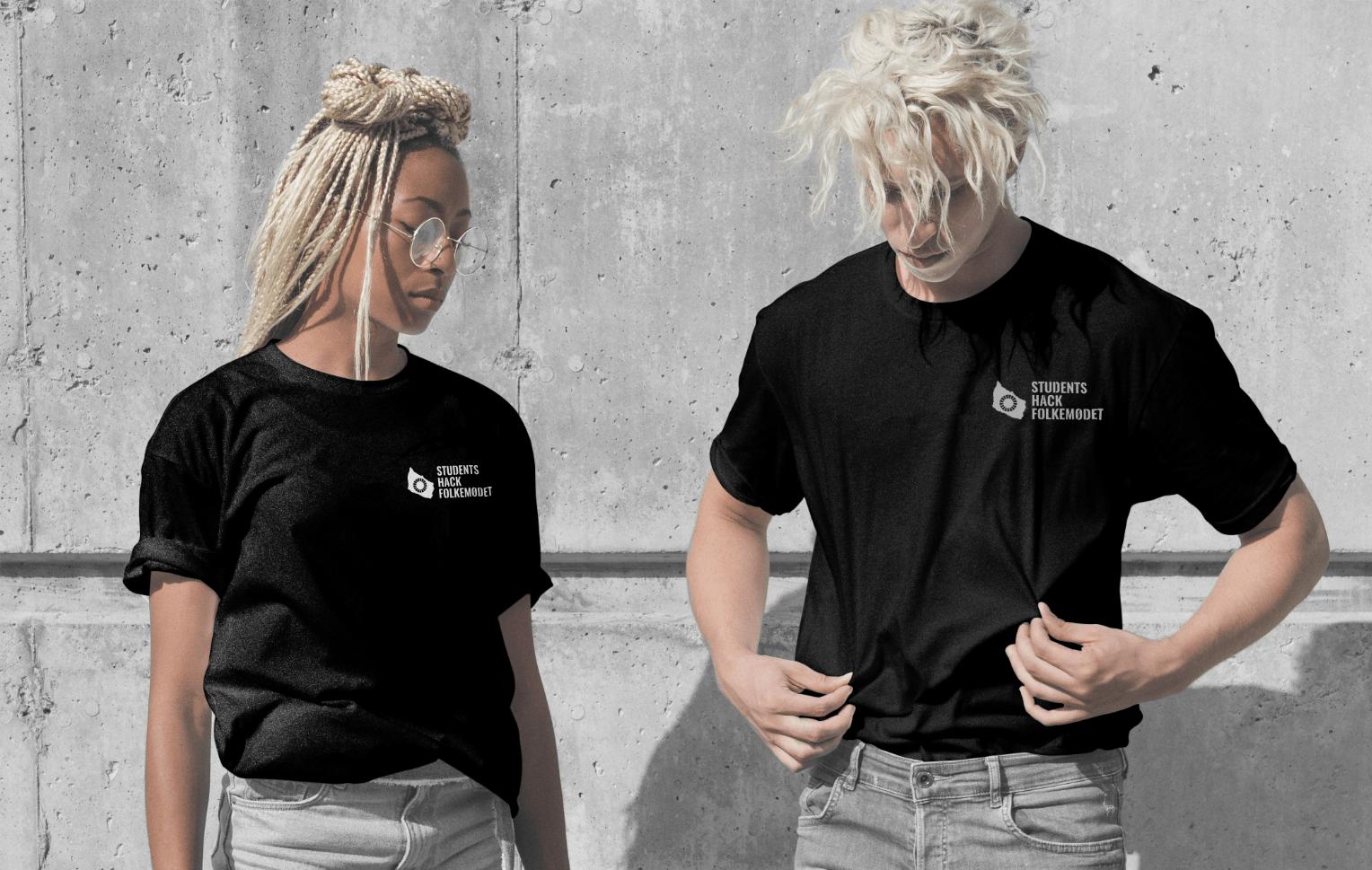 Modeller med Students Hack Folkemødet t-shirts på